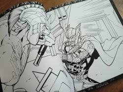 AVENGERS Infinity War - Deluxe colouring book